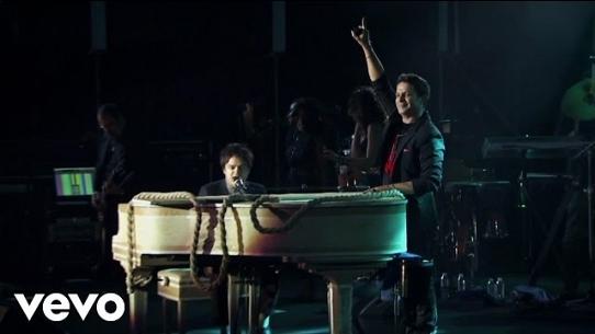 Yo Te Traigo... 20 Años (Live In Sevilla / 2013)